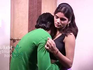 Amateur Big Tits Boobs Brunette Hot Indian Mammy MILF